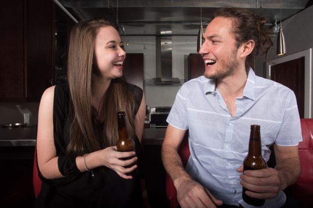 【女性向け】ペアーズで男性の飲み友達をつくる方法と注意点